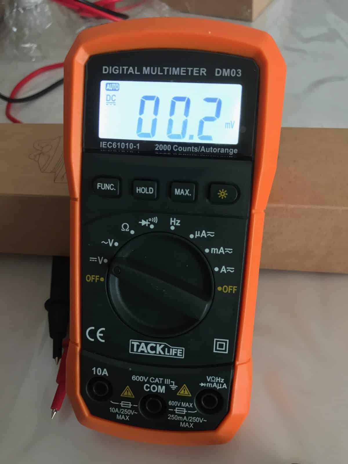 rétro-éclairage du multimètre numérique
