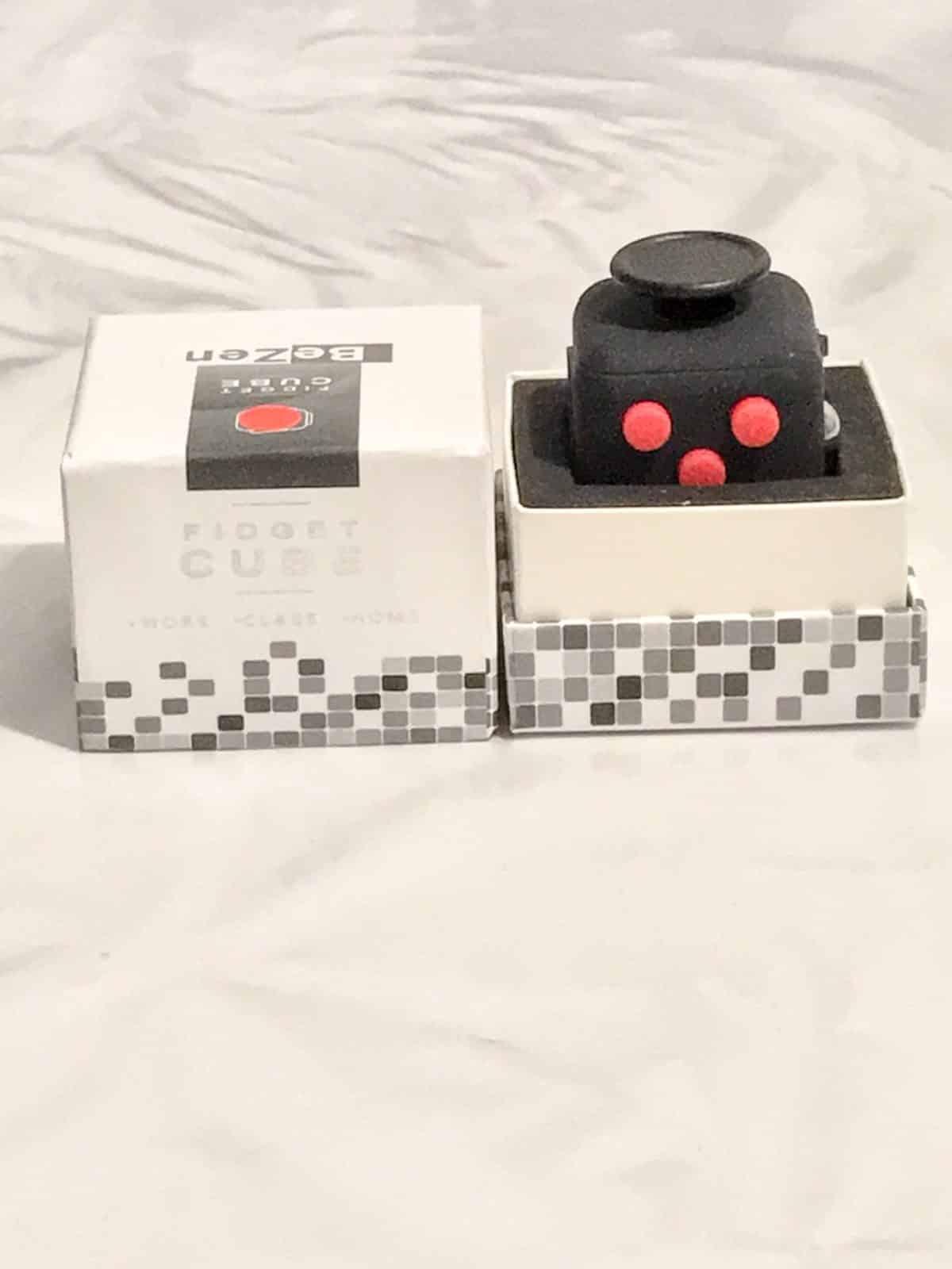 fidget cube anti stress boite ouverte